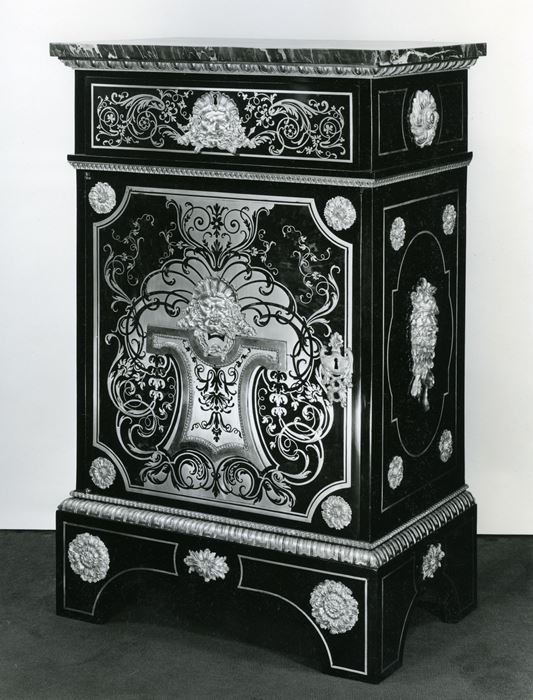 A pair of cabinets - Louis XVI